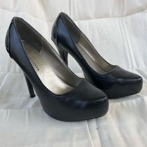 Charlotte Russe Women's Black Pumps, Size 6 US